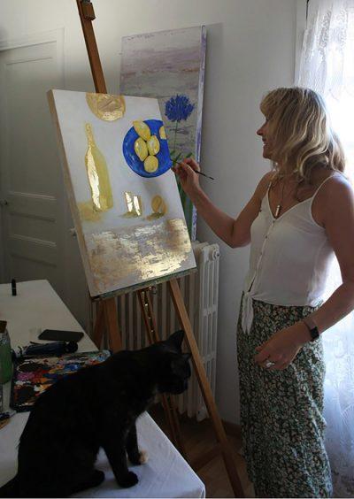 Jane Heyes Art - Jane and Mavis chatting at work